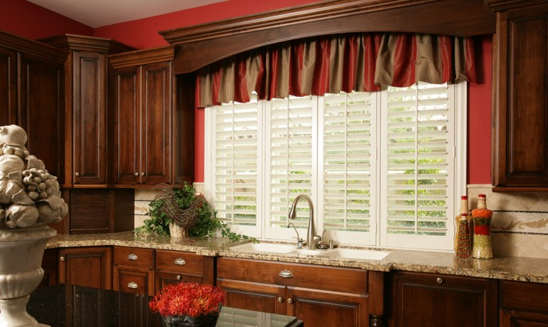 Fort Lauderdale kitchen shutter and cornice valance