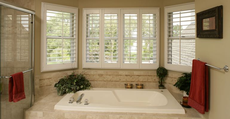 Plantation shutters in Fort Lauderdale bathroom.