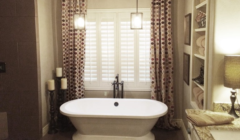 Polywood Shutters in Fort Lauderdale Bathroom