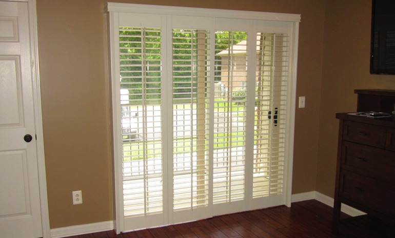 Fort Lauderdale sliding door bifold shutters in den